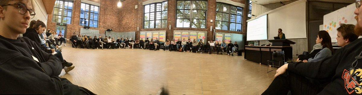 Spannende Inputs bei der #Fachschaftstagung der #Architektur in #Münster !Häufige Probleme:- fehlende Arbeitsräume- mangel an Personal- schlechter Zugang zu Geräten (z.b Drucker, Lasecutter)Hoffentlich treffen wir uns zukünftig öfter...@BDABund @BAK_Berlin