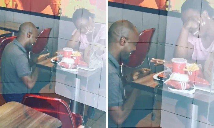 """Alguien fotografío a un individuo proponiendo matrimonio a su novia. Ese alguien luego publicó la foto con este mensaje:  """"Los hombres en Sudáfrica son tan pobres que incluso hacen una oferta en KFC. No puedo imaginar quién hace una oferta en ese lugar""""  Sigue..."""