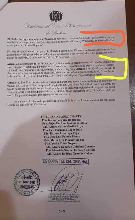 Decreto de la dictadora boliviana. En rojo, todos tienen que someterse a las Fuerzas Armadas. En amarillo, los militares que asesinen no tendrán responsabilidad penal. Dictadura en Bolivia.