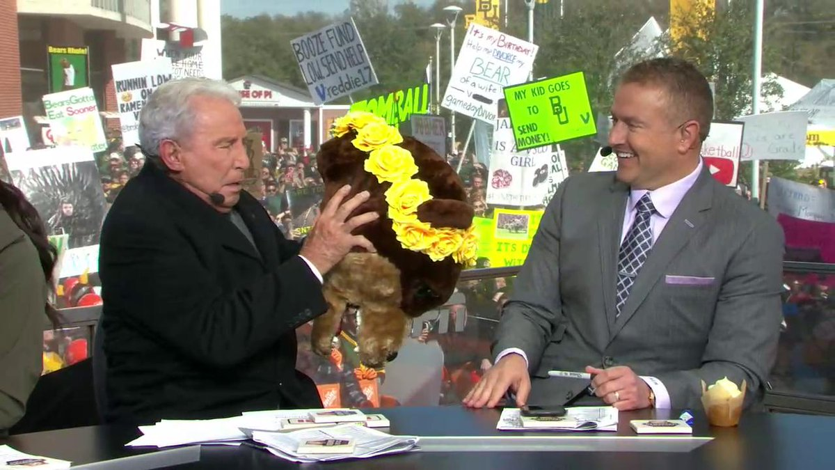 GameDay: Chip and Joanna Gaines joined Lee Corso with Baylor headgear