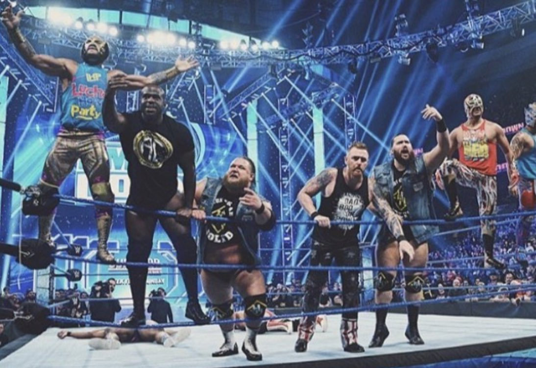 United we stand #Smackdown