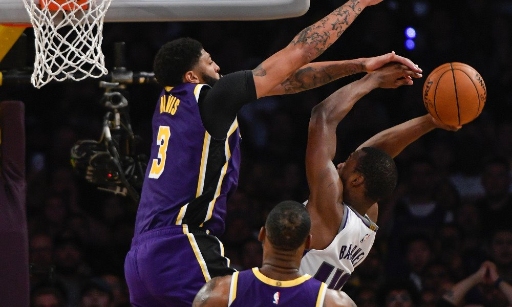 LAKERS 99.8 DEFENSIVE RATING LEADS LEAGUE!  Lakers are only team under 100 with 9 players with ratings under 100, including Alex Caruso 94.4, JaVale McGee 96.6, KCP 96.6, Quinn Cook 97.4, Kyle Kuzma 98.0, Danny Green 98.2, Anthony Davis 98.4, and Avery Bradley 98.6. LeBron 100.3.
