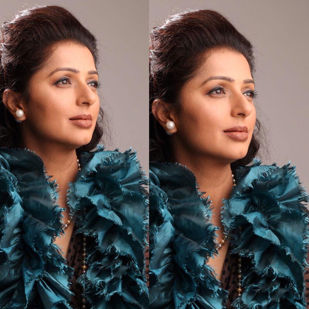 Bhoomi ka Hotness is back..!   #bhumika #bhoomika #actressbhumika #bumikha  #hotactress #teluguhotactress #bollywoodactoractress #malayalamactress #actressnavel #keralaactress #actresslife #hotnavel #teluguactress #poojahegdefans #southindianactresspic.twitter.com/wgdWn2sIvO