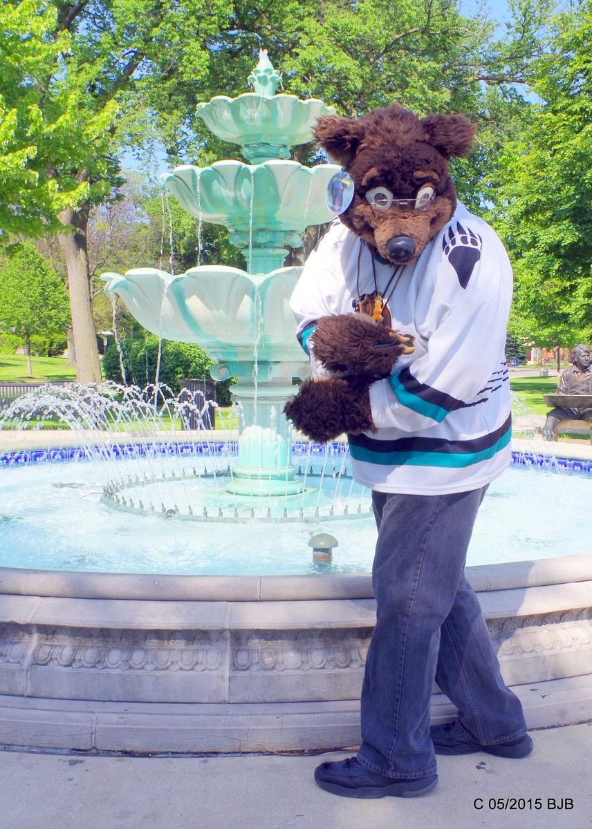 #FursuitFriday  3 coins for the fountain?  Waldolf in the park next to the #Hinsdale Illinois #Metra station @FursuitersWorld