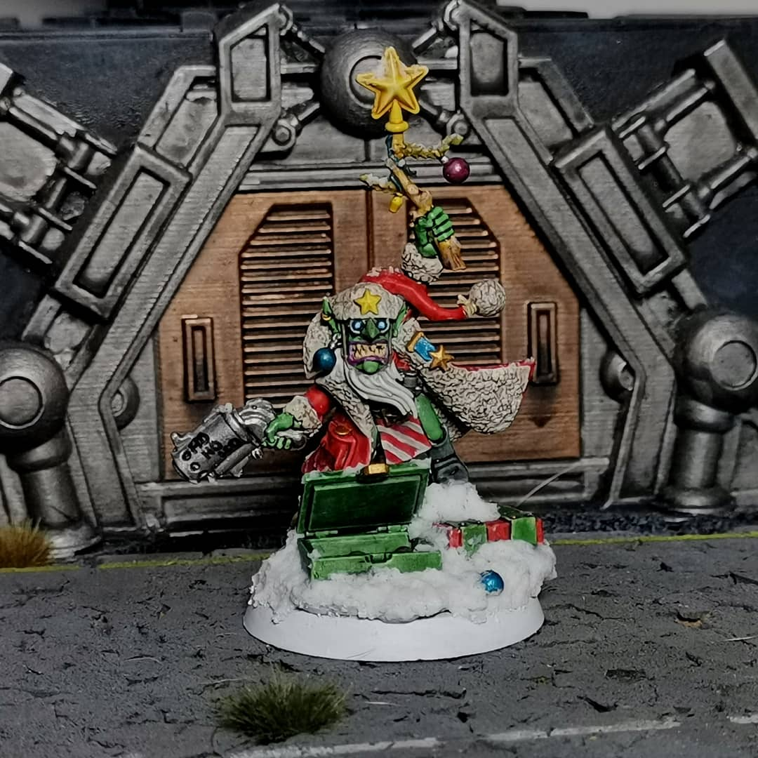 Well he nearly got chopped and converted but I couldn't bring my self to hurt poor Noel. Now I must resist the urge to buy a little group of christmas gretchin. #warhammer #warhammercommunity #warhammer40k #gamesworkshop #miniatures #paintingminiatures #paintingwarhammer https://t.co/W5voCVQMXm