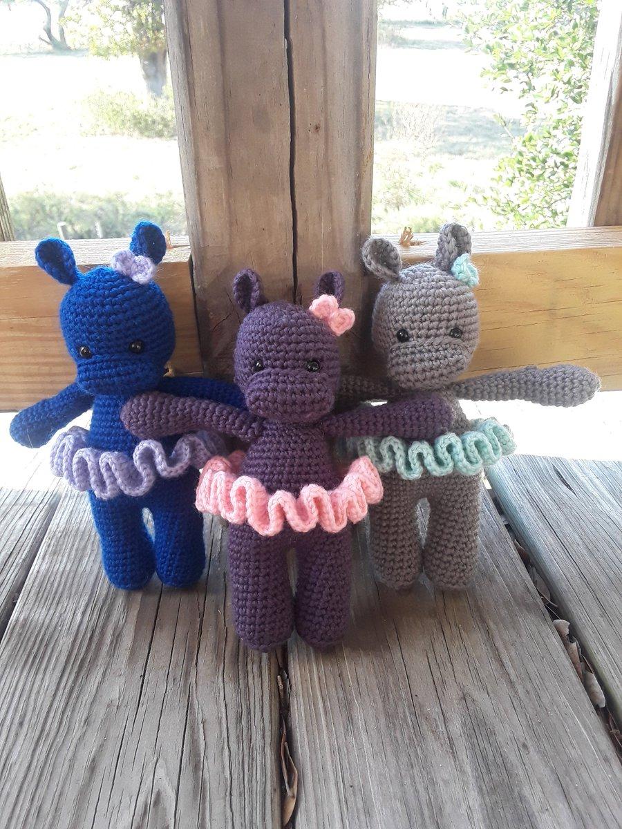 Cuddle Me Cow amigurumi pattern | Crochet cow, Crochet animal ... | 1200x900
