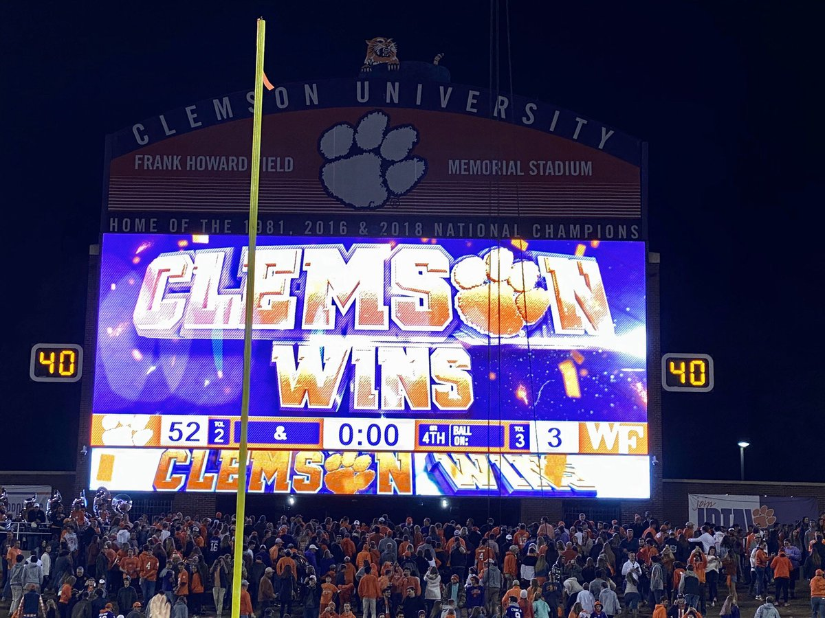 Clemson's seniors won their 52nd game today, bringing their 4-year record to 52-3. The final score of their final home game? 52-3. <br>http://pic.twitter.com/JLmWgFaXGV
