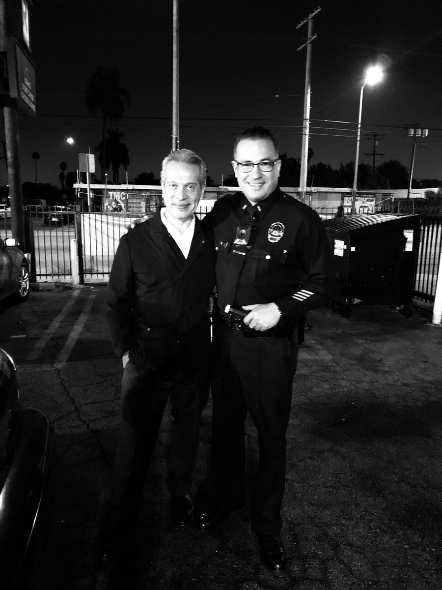 Happy to see true reporting happening thank you @Univision34LA @oborraez for seeing the hard work being performed daily by officers in South LA service with compassion, patience & with the goal of reducing violent crime for a community that wants #Peacekeepers @LAPDSouthBureau
