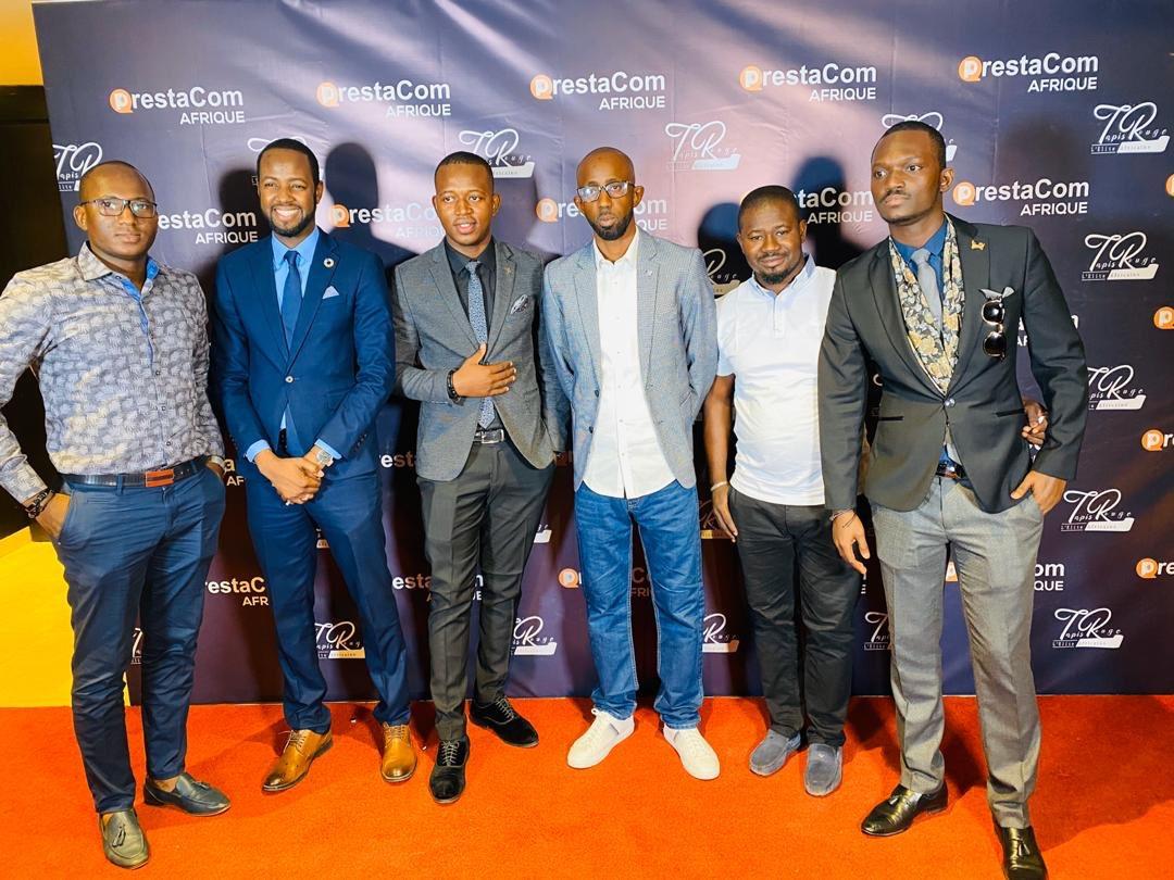 Quel honneur d'avoir rencontré aujourd'hui la superbe équipe de @FamibGroupe à l'émission @TapisRougeN ! @DiawaraAmadou82 est aujourd'hui un modèle réussi de la diaspora qui a déicidé de rentrer au bercail et bâtir le futur du #Mali ! Kudos à toi et à toute l'équipe de Famib !