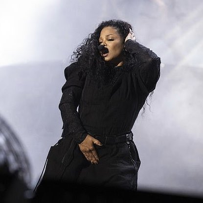 .@JanetJackson, you were phenomenal! Thank you for coming to Australia and sharing your incomparable talent! Hope to see you again soon with your own tour!  #rnbfridayslive <br>http://pic.twitter.com/np9hhzlZvM