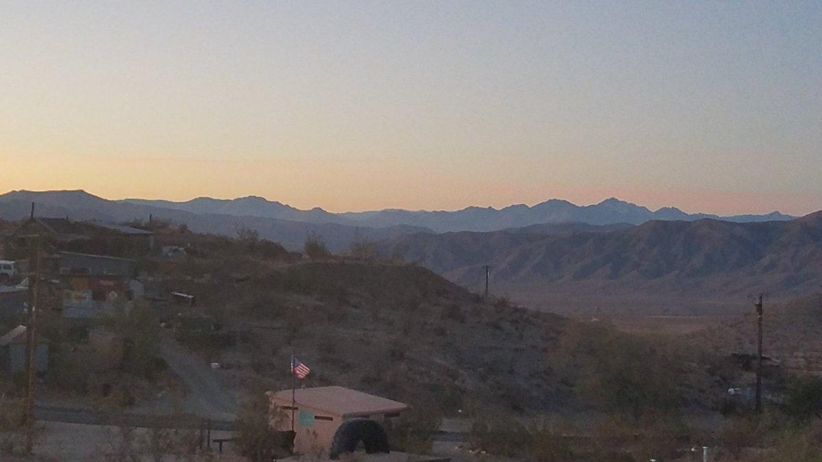 #SelfCareSaturday #proudtobeLBUSD  Sunset in the hi-dessert,  Randsburg, CA