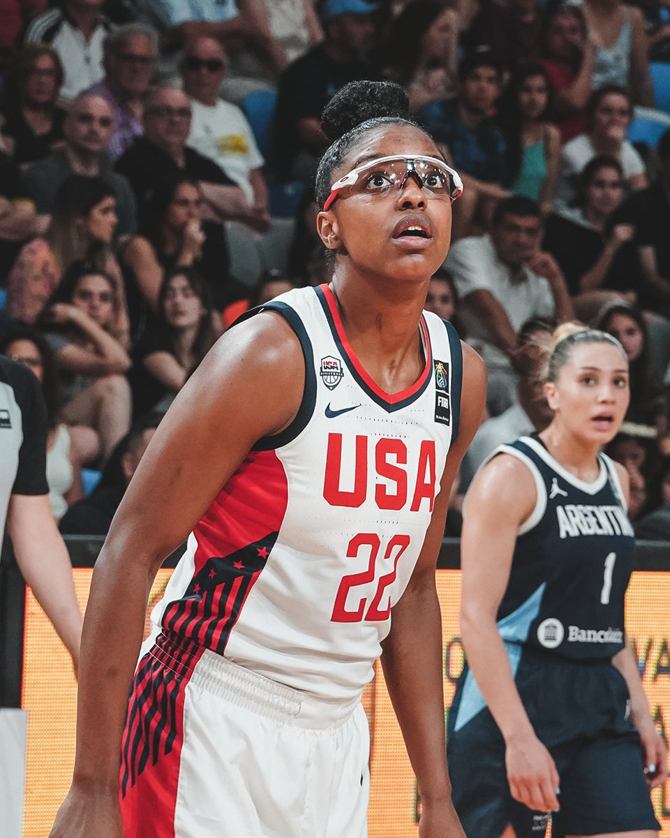 .@usabasketball went off in a 91-34 win over Argentina 👀 @diamonddoesit1 13pts, 4reb, 3ast