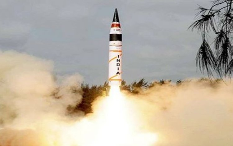 🇮🇳 CONGRATULATIONS!!#India carries out successful night-time test-firing of the 2,000 km strike range #Agni2 ballistic missile.