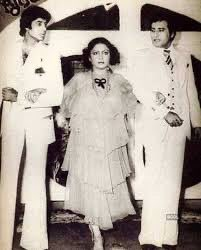 @SrBachchan With #VinodKhanna Ji & #Rakhee Ji in #MuqaddarKaSikandar