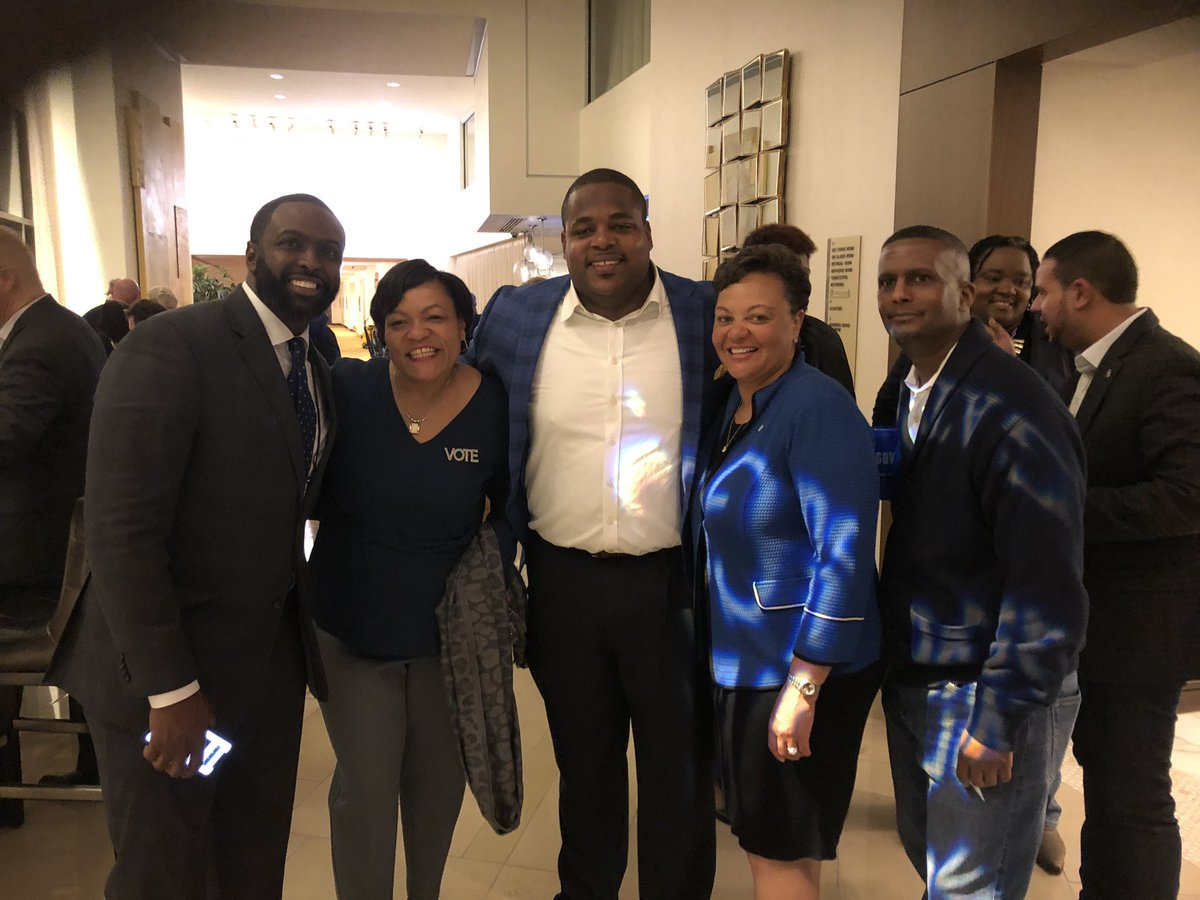Madame Vice Chair, Mayor Cantrell, and Govenor Edwards please bring some of that #Dems 💙 magic up the road to Arkansas. #arpx We need it. Congrats! @JohnBelforLA @TeamKCP @mayorcantrell @LaDemos @reneelap ⚜️