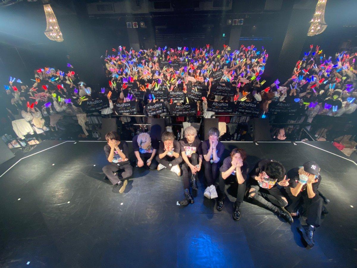 改めて、AlbaNox 1st OneMan  Live〜Masquerade〜@横浜ベイホール沢山のご来場ありがとうございます✨素敵なお花やケーキまで実行委員の皆様もありがとうございました🎵これからも頑張っていきますので応援よろしくお願いします‼️