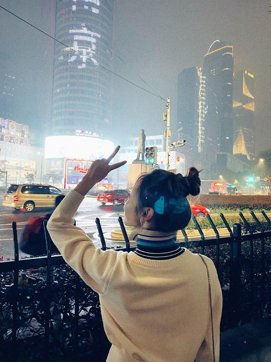 """#宣璐 #XuanLu weibo uodate:  """"I'm home! Thank you, it was nice meeting you!"""" <br>http://pic.twitter.com/Zr3VMtiMG4"""
