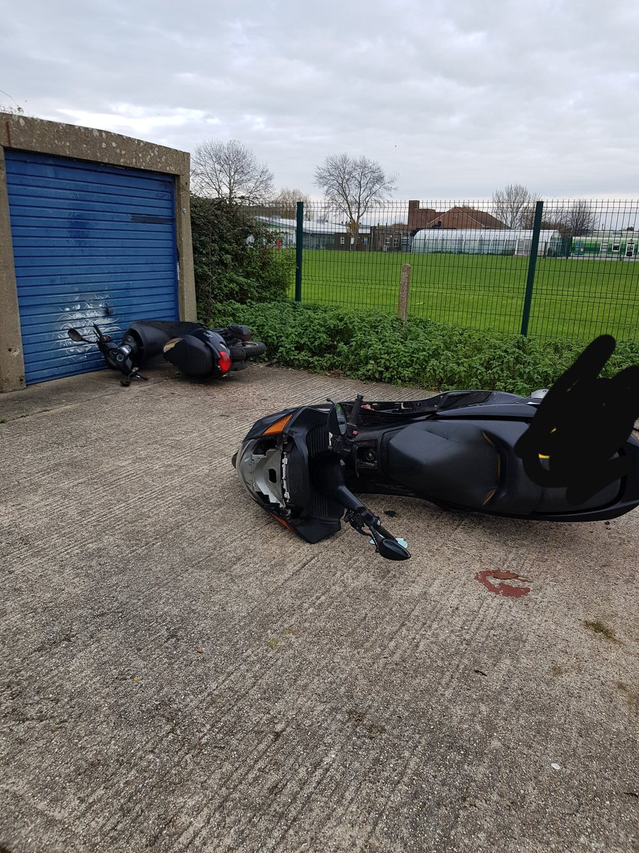 Stolen mopeds overnight being reunited with their owners. Please secure your mopeds overnight.  #pcso20528 #pcso26986 #secureyourvehicle pic.twitter.com/HB1NPPymDN