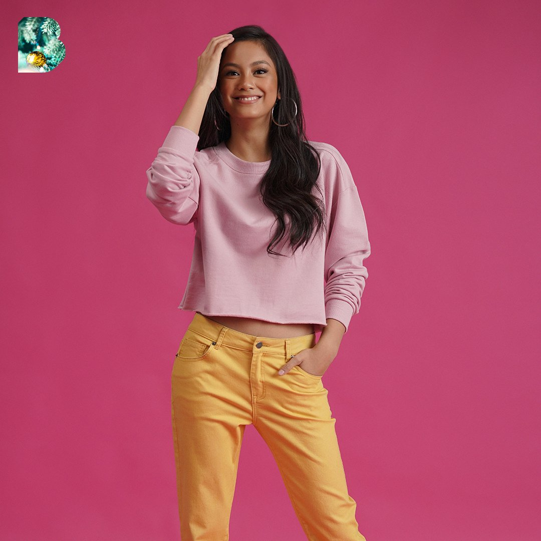 Laughing with her eyes, smiling with her heart 💖 Sunday mood with @ylona_garcia #BENCHHoliday2019 #WithLove