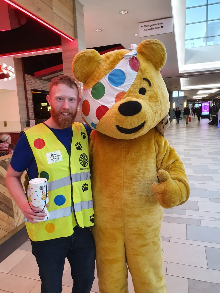We had a great time fundraising for @ChiIdreninNeed along with our fellow Area 44 Tablers this weekend! Here's Pudsey (on the right of the picture) and Mark in Union Square yesterday. Delighted to contribute to an incredible total of £47.9m! #RoundTable #DoMore