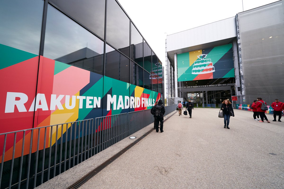 Here we are!   Davis Cup it's about to start! Come and see!    #Fantastic | #DavisCupMadridFinals | #byRakuten <br>http://pic.twitter.com/HN1Nu22A8u
