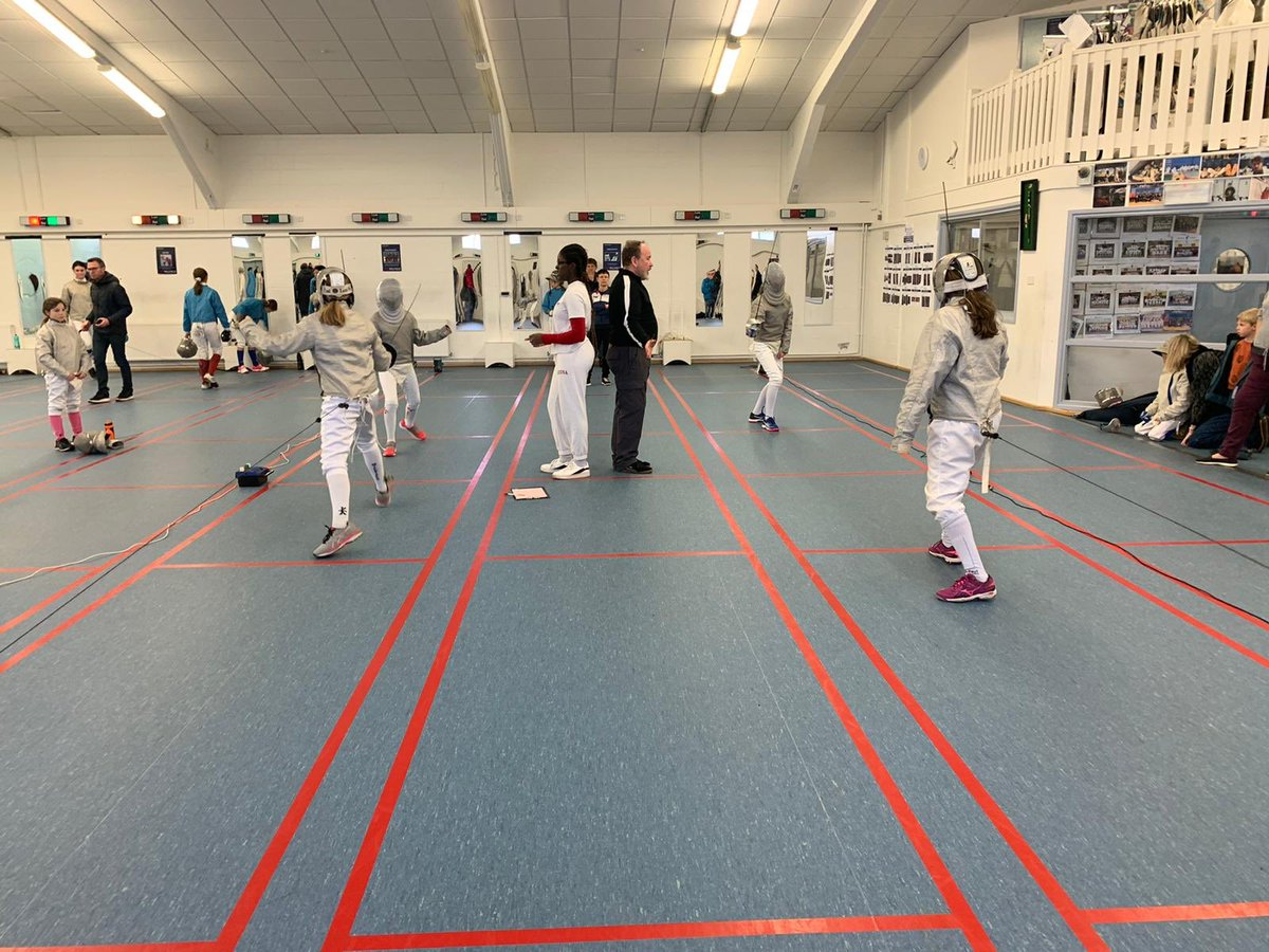 @MPS_Sport and @MillfieldSenior fencers also being supported and refereed by senior squad members so thank you to all those who have helped in bristol and at senior achool #fencingfamily pic.twitter.com/VzHzATtWiX
