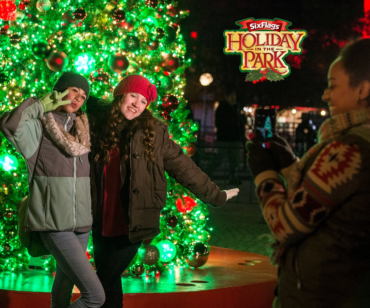 #AAASundayFunday 🥳 Celebrate the holidays at Six Flags!  Use your #AAADiscounts to save up to 40% on tickets when purchased online - plus 10% off all gifts, candy and photo products.