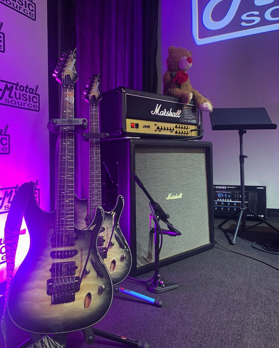 This week's #ShredSunday goes out to Nita Strauss with her JVM rig.  #liveformusic<br>http://pic.twitter.com/qQmJ1WeKy6