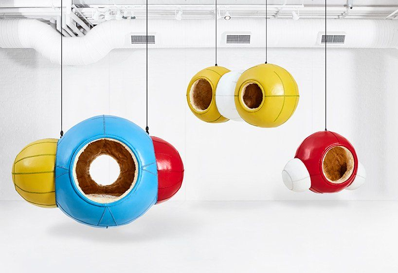 porky hefer channels chemical reactions with molecule-shaped seating pods @DesignMiami  https://www. designboom.com/design/porky-h efer-molecule-seating-design-miami-11-17-2019/  … <br>http://pic.twitter.com/PUa7xnZg94