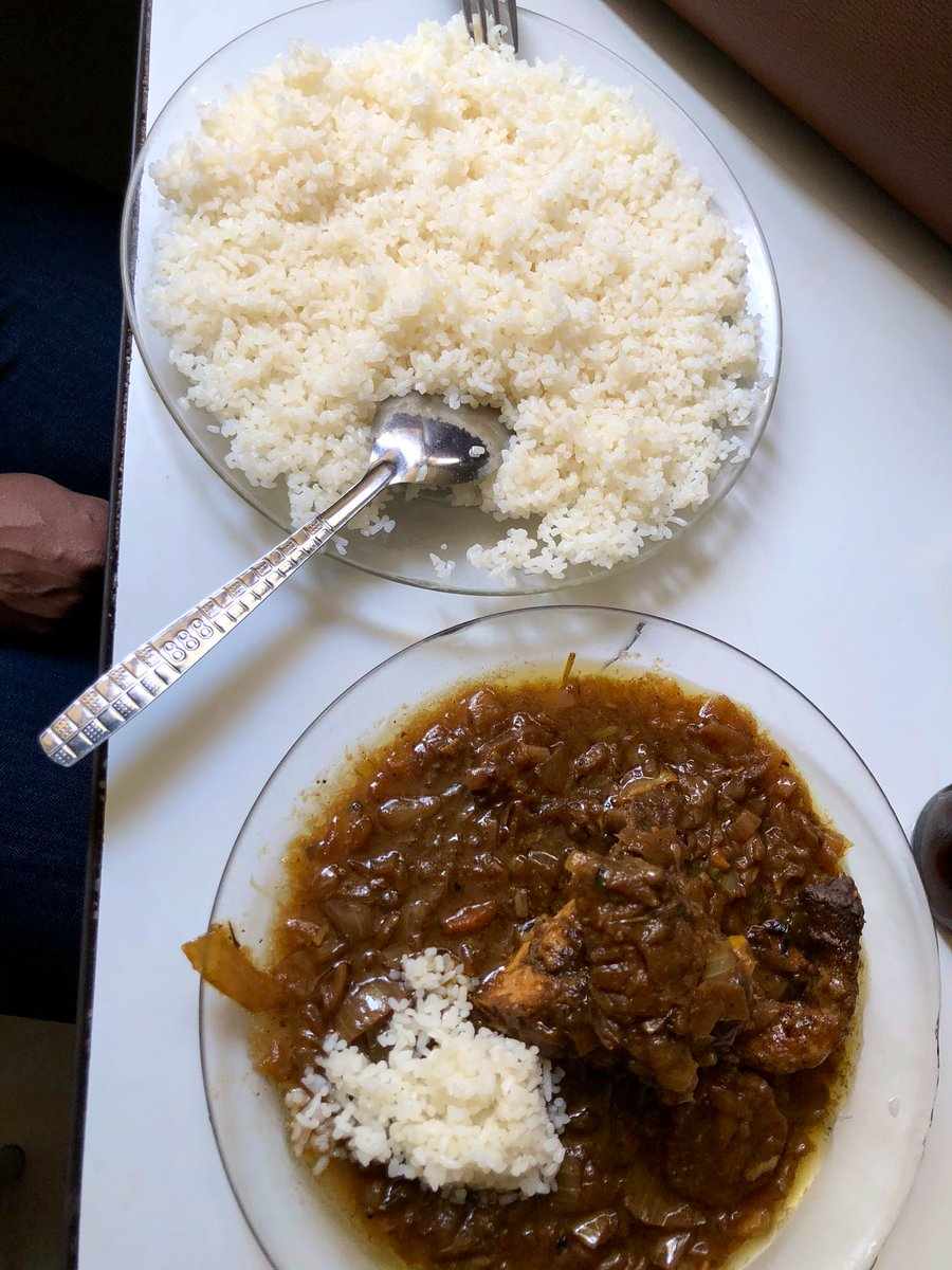 So I saw someone do this moments ago here in Senegal and I became my Nigerian mother and freaked the fuck out. The stew goes on the rice on not the other way around. I had to intervene. <br>http://pic.twitter.com/AeoIP3pV8a