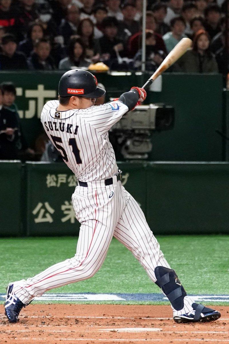 🌎 #プレミア12 🎖 MVP鈴木誠也 🇯🇵✅ 打率.444、本塁打3、打点は13。日本の4番として大活躍!#侍ジャパン
