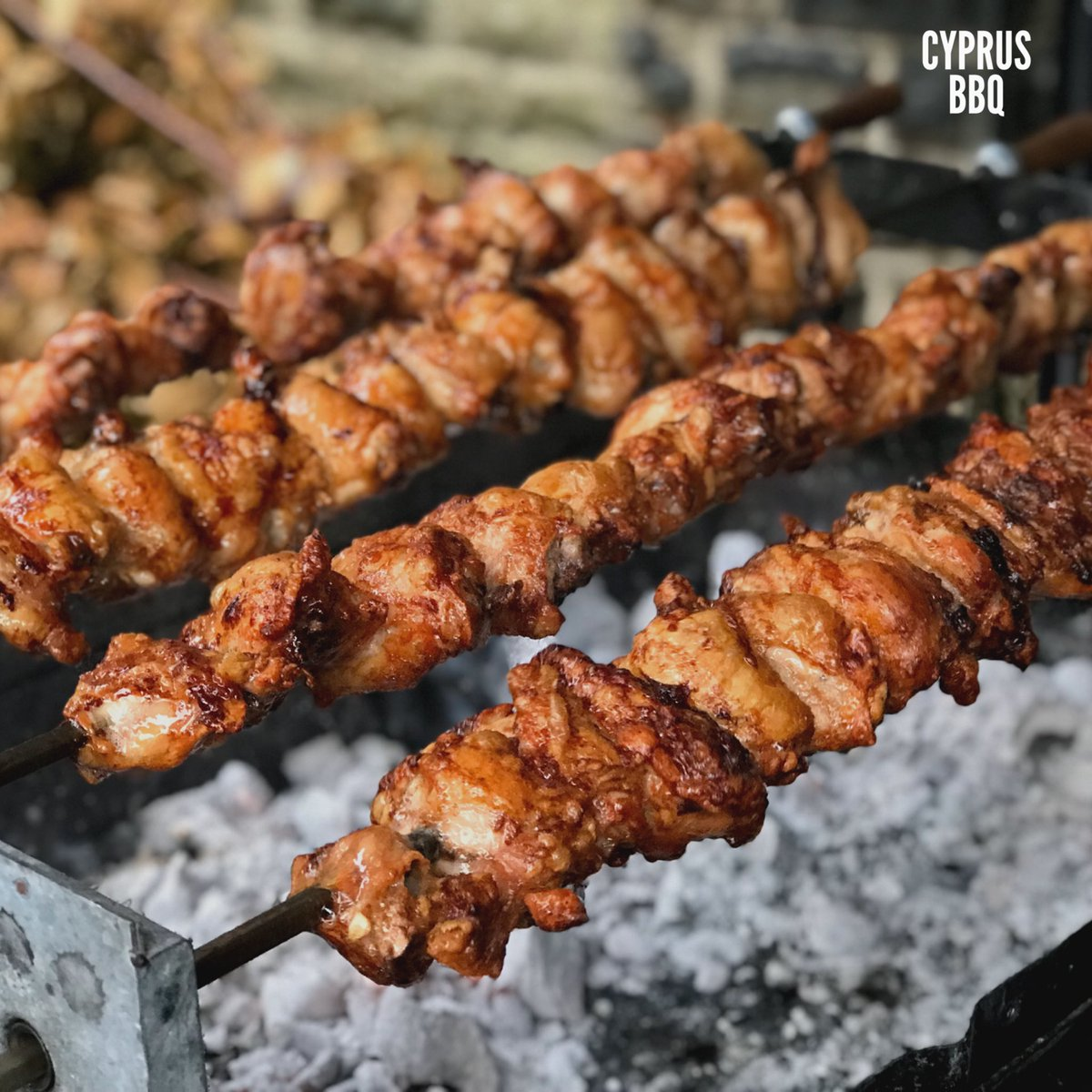 Is anyone braving the weather and having a Sunday #Souvla today? #foukou #delicious #souvla #CyprusBBQ #pork #chicken #lamb #bbq #barbecue #kebab #skewer #skewers #rotisserie #foukou #lambsouvla #chickensouvla #porksouvla #cyprusfood #sundaysouvla #meze
