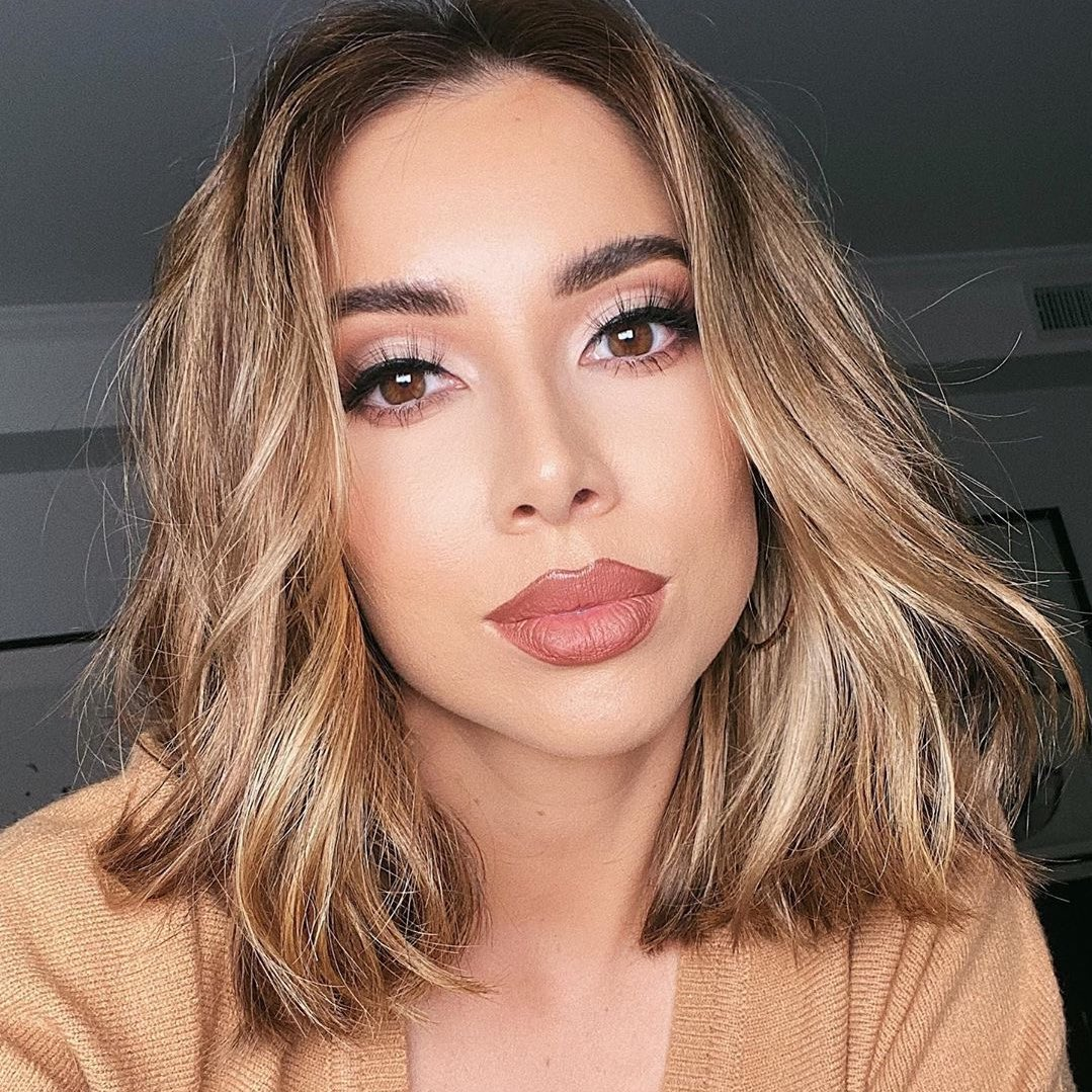 .@lustrelux  givin us LIFE with this sizzlin glam using our shape tape contour concealer! 🔥