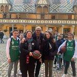 Rencontre aux Hospices avec les jeunes du club de basket 🏀 de #Beaune qui attendent Tony PARKER