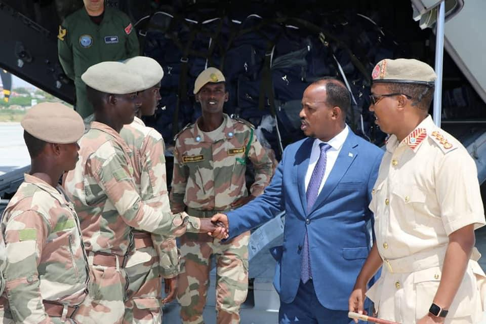 #Somali defence minister bids farewell to soldiers departing to #Turkey for military training. Turkeys training is not similarly provided to Federal States and Central Government.