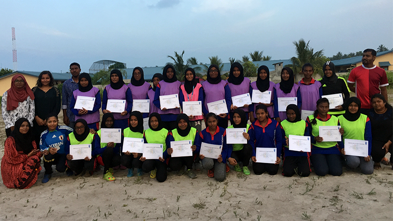 Goal! 🙌  In the Maldives, a workshop featuring group discussions—and soccer training—encouraged young #women to challenge #GenderStereotypes. Here's how: http://wrld.bg/4CsP50wtxmG  #EmpowerWomen