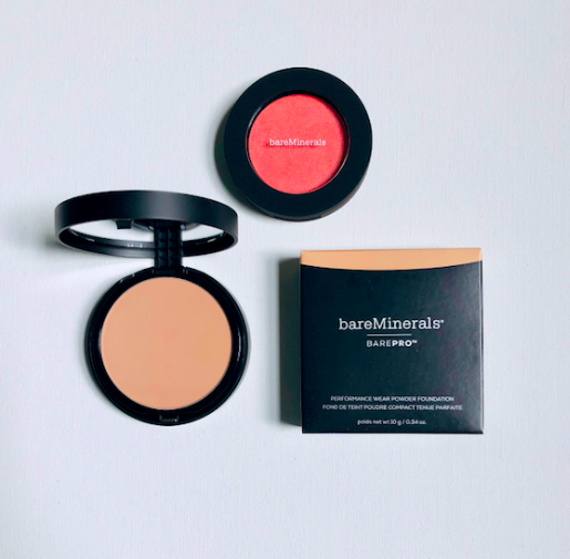 Im giving away bareMinerals BarePro Performance Wear Powder Foundation in linen + Bounce & Blur Blush in coral cloud To enter, follow @davelackie & RT