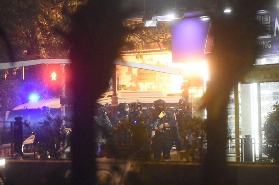 L'altra faccia della medaglia della rivolta pacifica di Hong Kong 8
