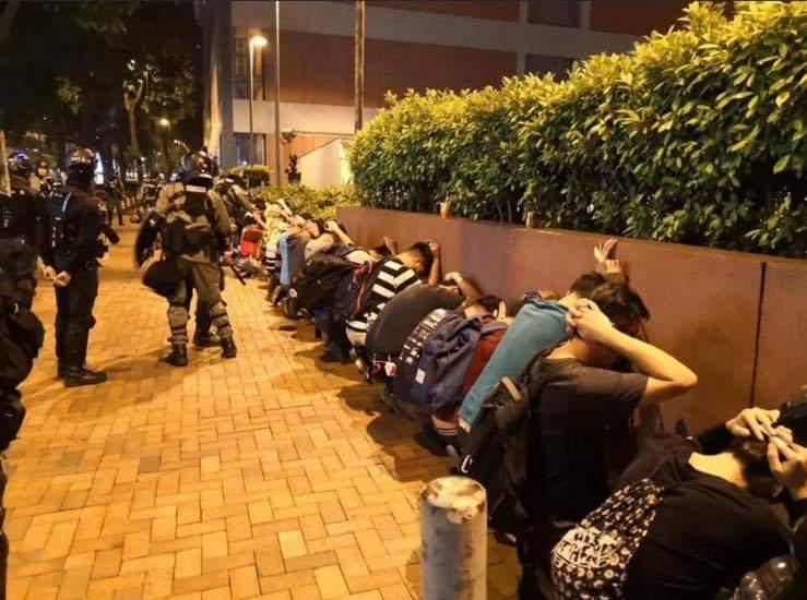 L'altra faccia della medaglia della rivolta pacifica di Hong Kong 6