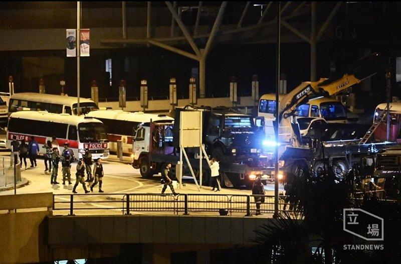 L'altra faccia della medaglia della rivolta pacifica di Hong Kong 9