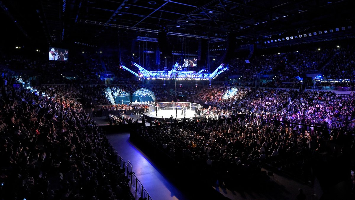 AUCKLAND!🇳🇿We're coming back on Sun Feb 23rd. Save the date📅#UFCAuckland  https://bit.ly/32XTvSK