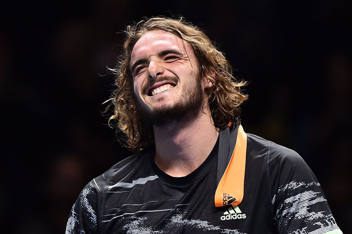 The moment he won it!   Yes, you really did it, @StefTsitsipas!   #ATPFinals<br>http://pic.twitter.com/5tdauDjZM7