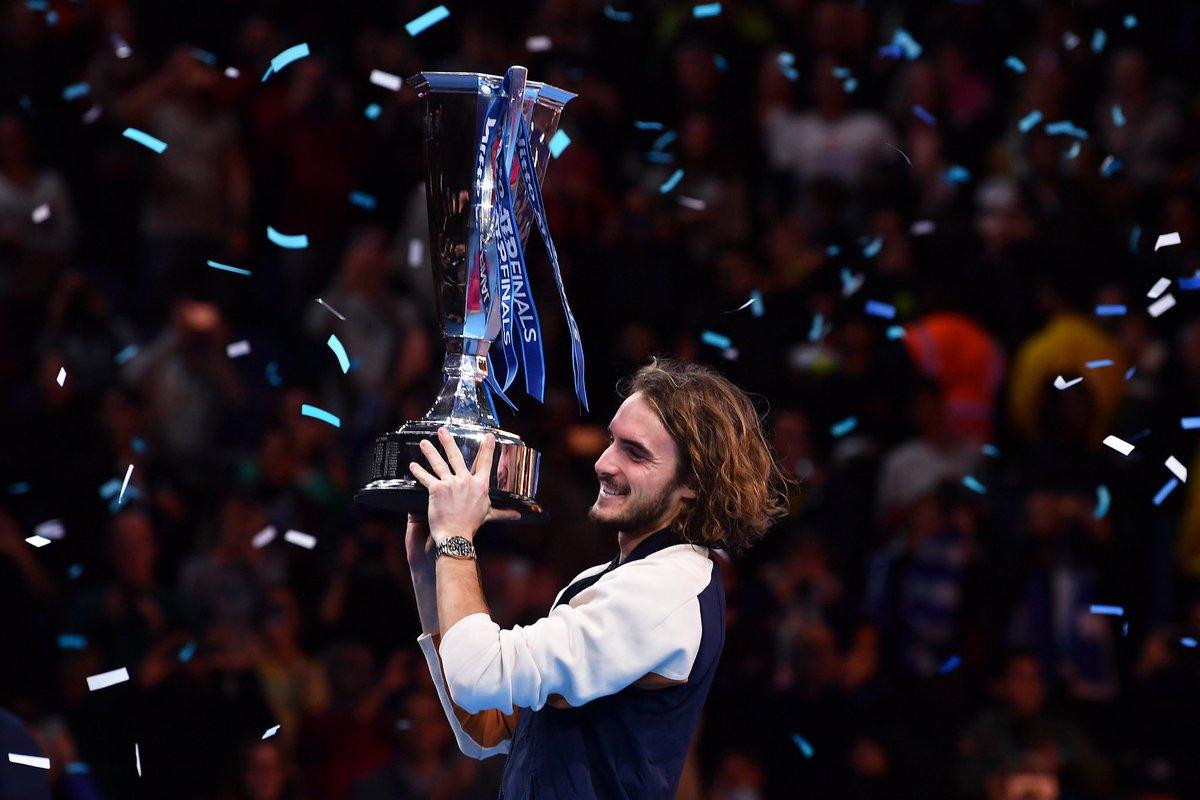 ATP Finals. Циципас празднует победу в упорном финале против Тима