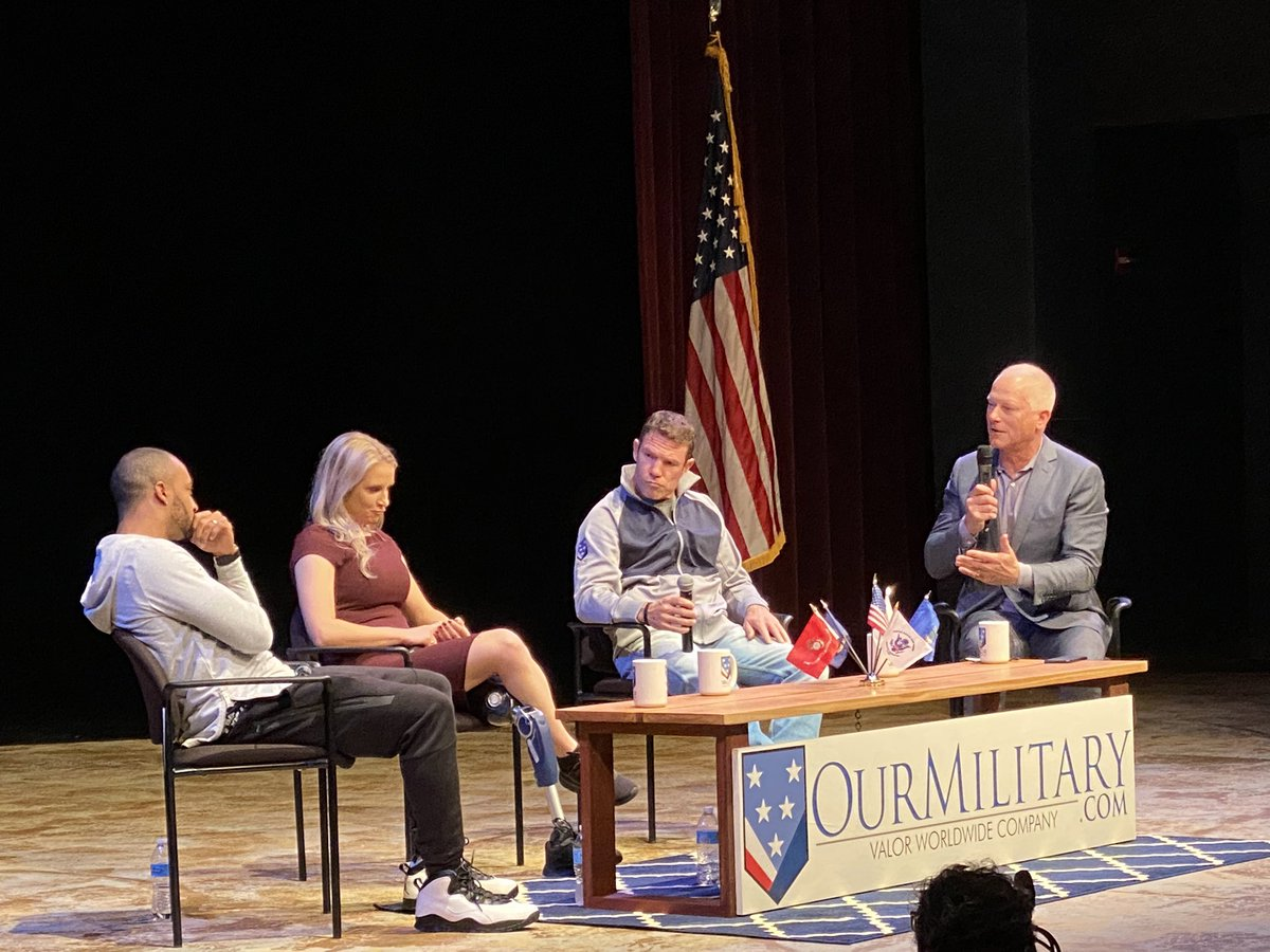 "Happening now, the @OurMilitary ""Sports, Leadership, and Community"" event with @Kenny_Mayne @DougBaldwinJr @NateBoyer37 @KirstieEnnis"