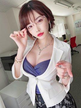 AV女優深田えいみのTwitter自撮りエロ画像41