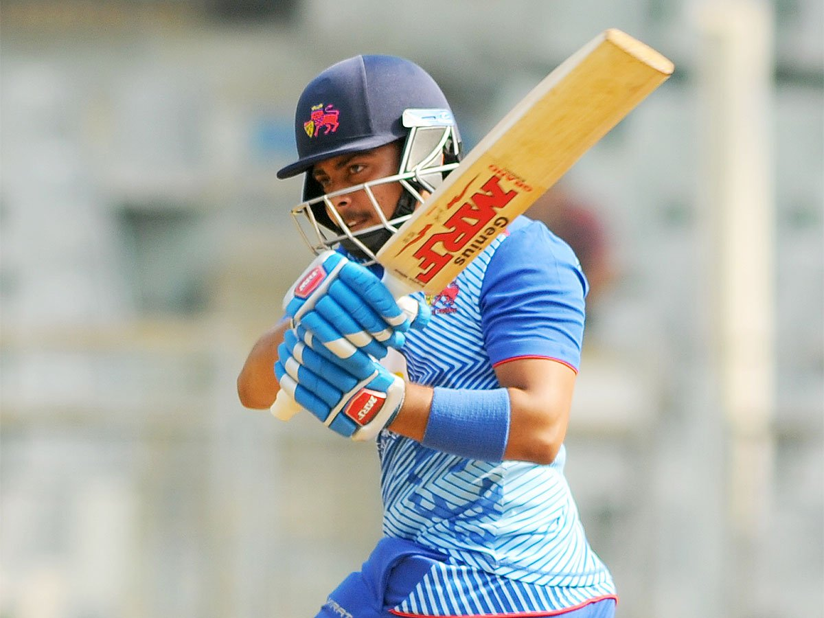 #SyedMushtaqAliTrophy @PrithviShaw back with a bang 🏏The year 2018 was a landmark one for Mumbai's young batting sensation #PrithviShaw More Here ➡️http://toi.in/b09jGb/a24gk