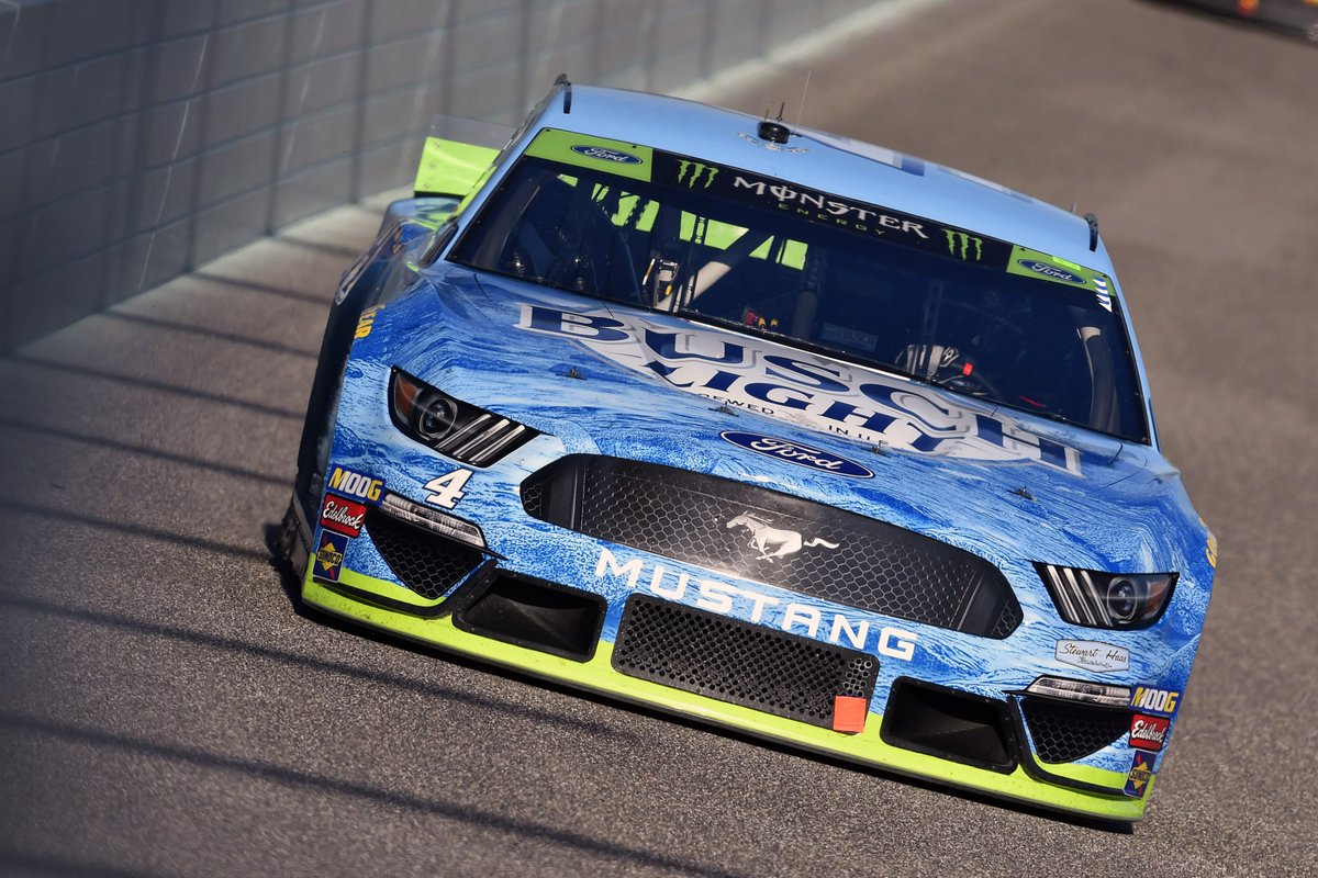 #NASCAR | @KevinHarvick led 41 laps, but fell short of the championship, finishing 4th on the night, 3rd among the #Championship4   In all, four Mustangs came home inside the top-10 in the season finale.   #FordChampWknd #FordEcoBoost400<br>http://pic.twitter.com/ceIuhTq1lB