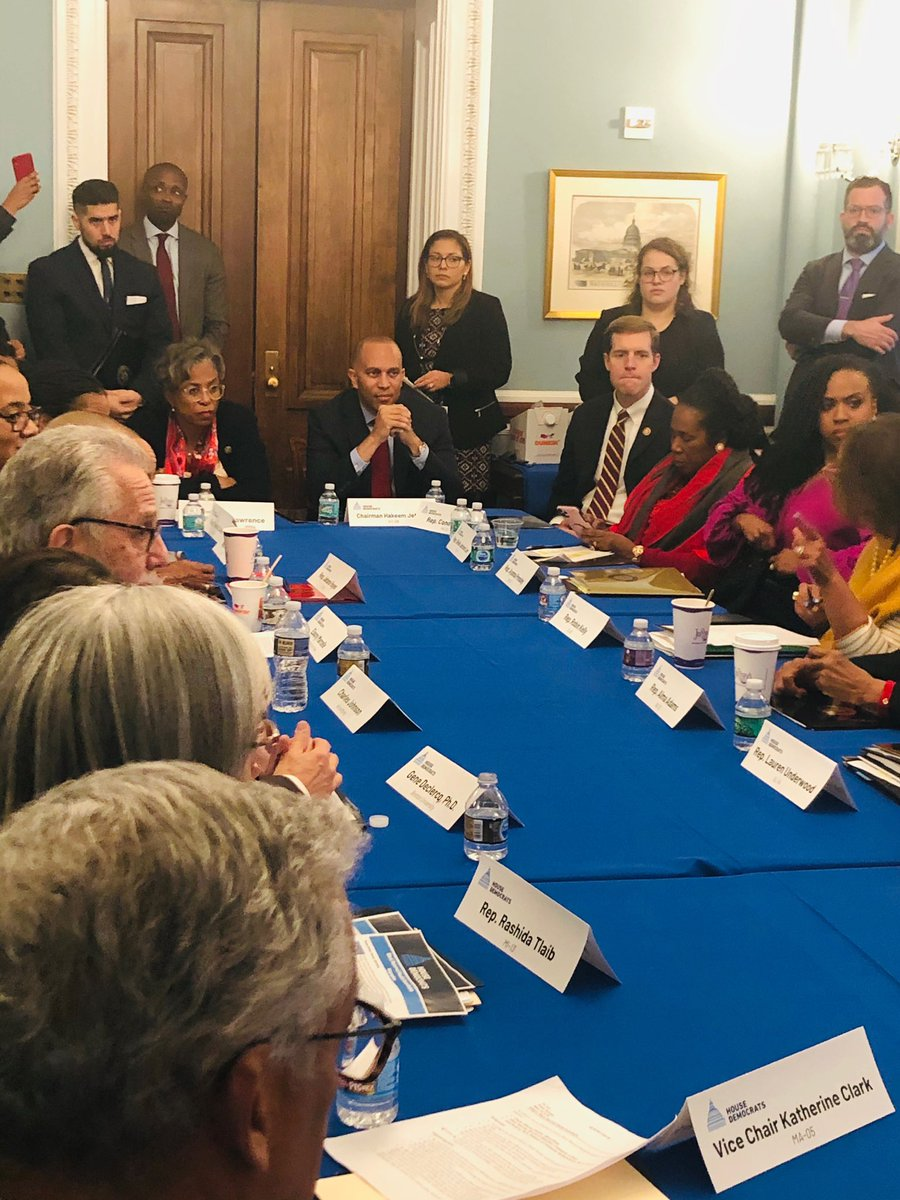 I joined the House Democratic Caucus, @RepRobinKelly,@RepAdams,@RepUnderwood and @RepPressley for a discussion on the Black maternal health crisis.