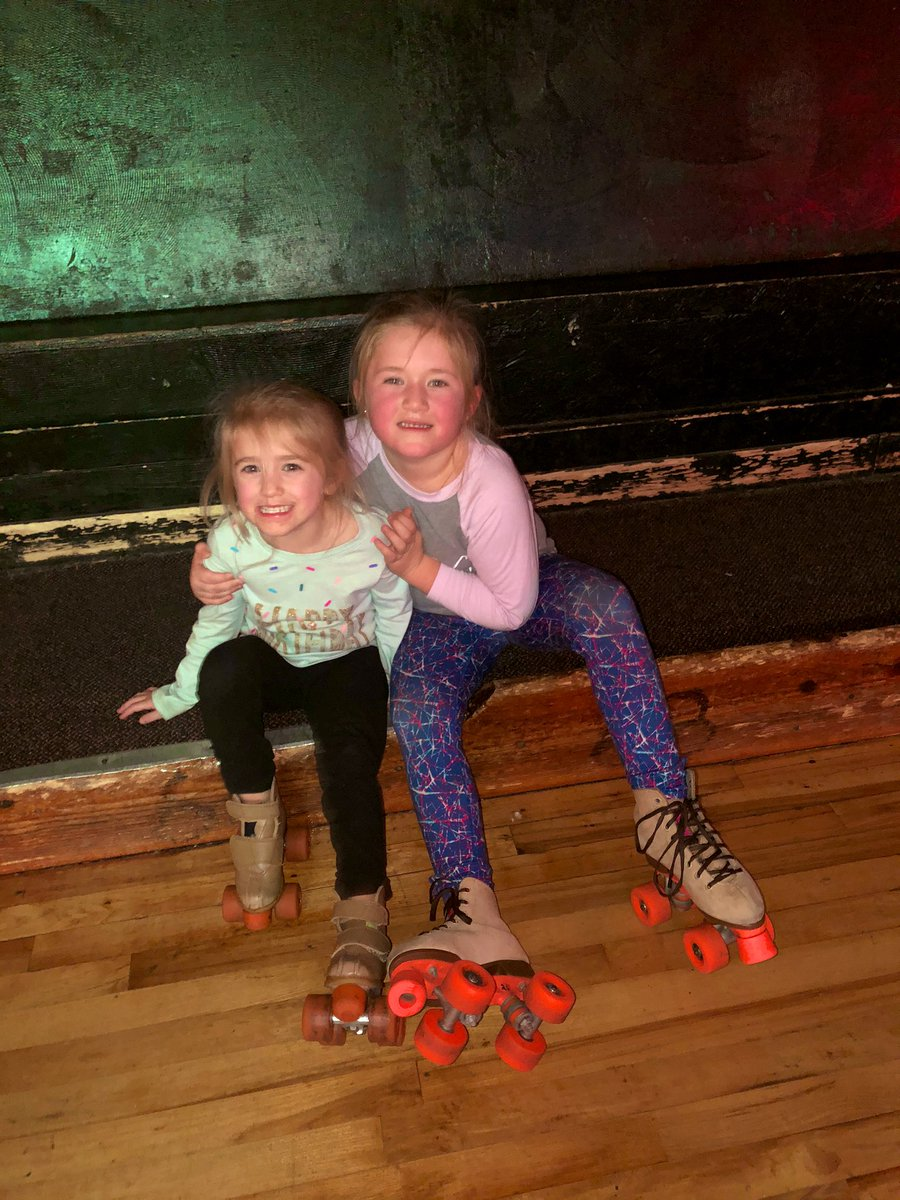 When you teach your little sister how to roller skate💙 Thank you Blakely for being an awesome BIG sister! #SundayFunday #BigSisterLittleSister #AllonthebusRCE #Mommyshelper #Birthdayparties #Skatingrink https://t.co/3EleaO9IyZ