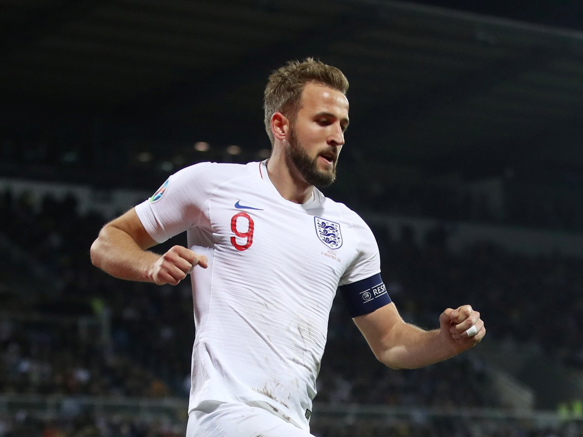 England secure @UEFAEURO 2020 seeding slot with 4-0 win in Kosovo READ: http://toi.in/hxop2Y/a24gk #EURO2020 #EuropeanQualifiers #Football
